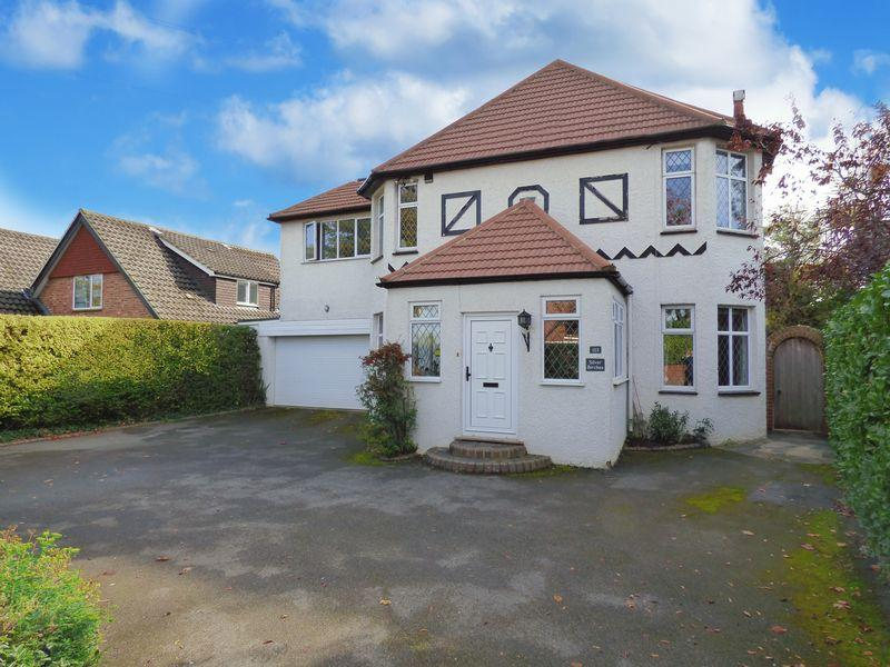 5 Bedrooms Detached House for sale in Bookham