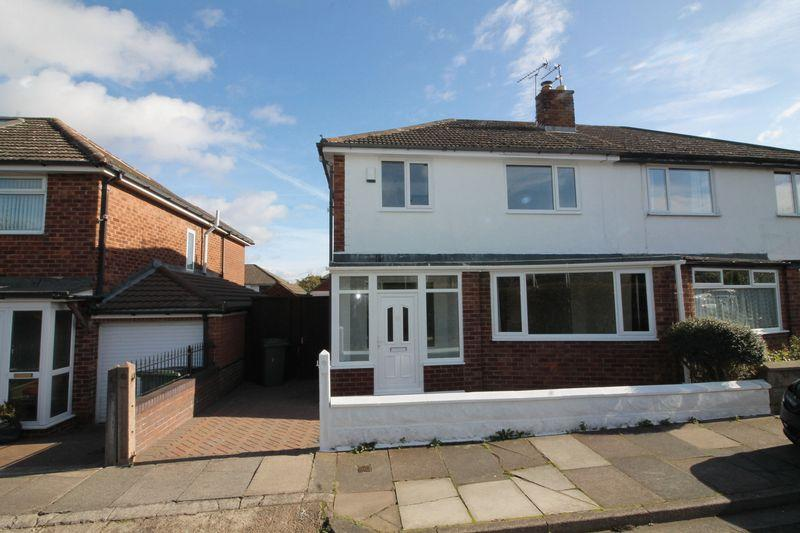 3 Bedrooms Semi Detached House for sale in Arrowe Park Road, Arrowe Park