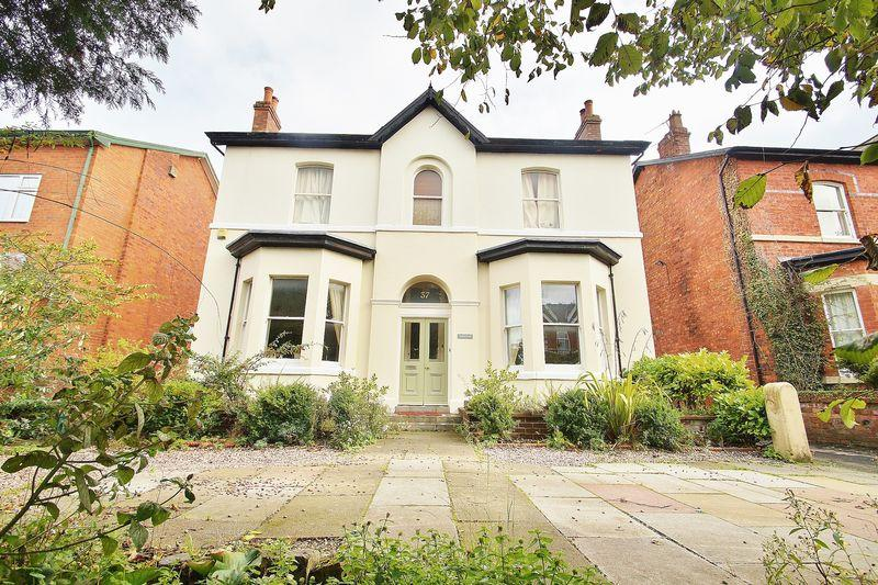 4 Bedrooms Detached House for sale in Ash Street, Southport