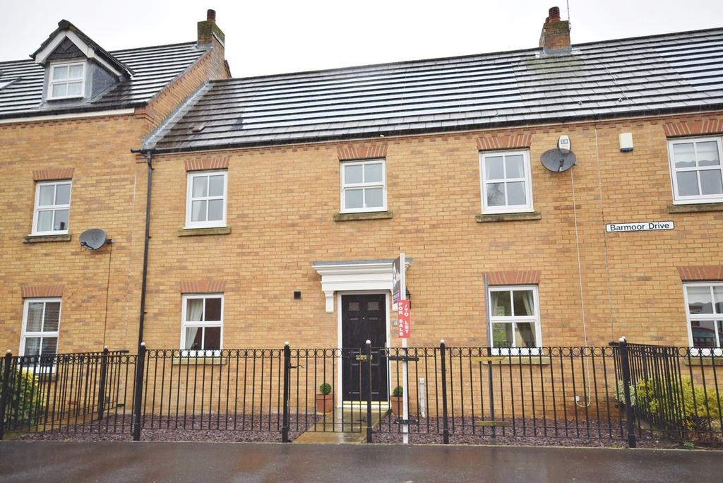3 Bedrooms Terraced House for sale in Barmoor Drive, Great Park, Gosforth, NE3