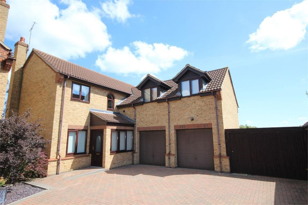 4 Bedrooms Detached House for sale in Lewis Lane, Arlesey, SG15
