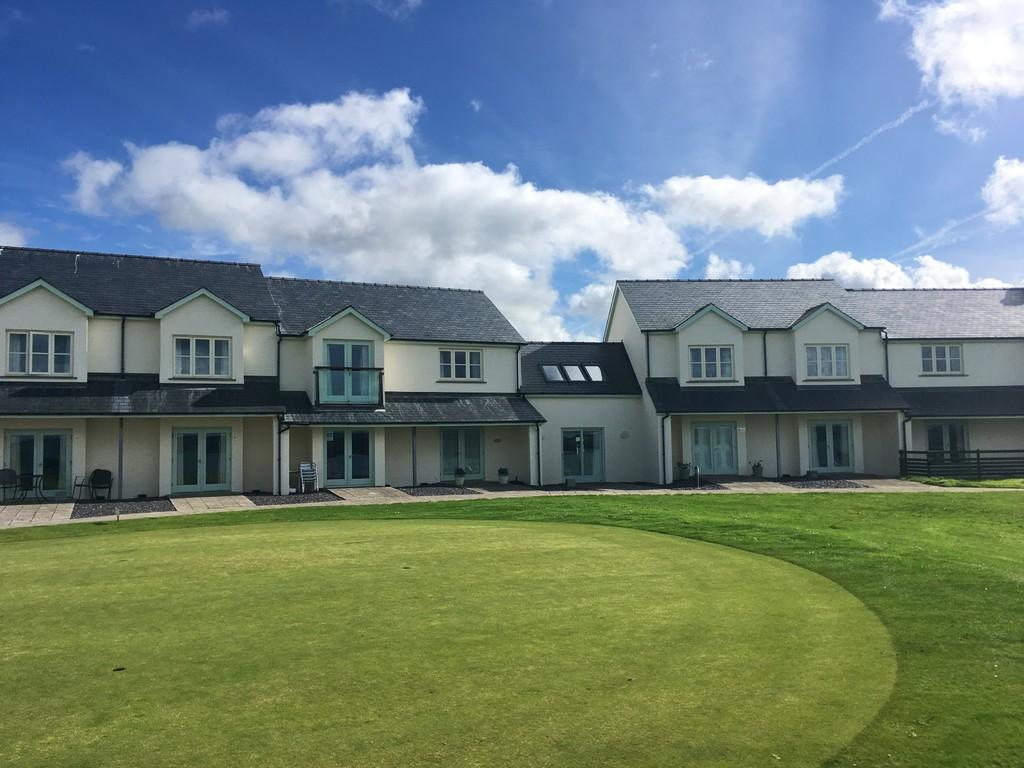 1 Bedroom Apartment Flat for sale in Newport, Pembrokeshire