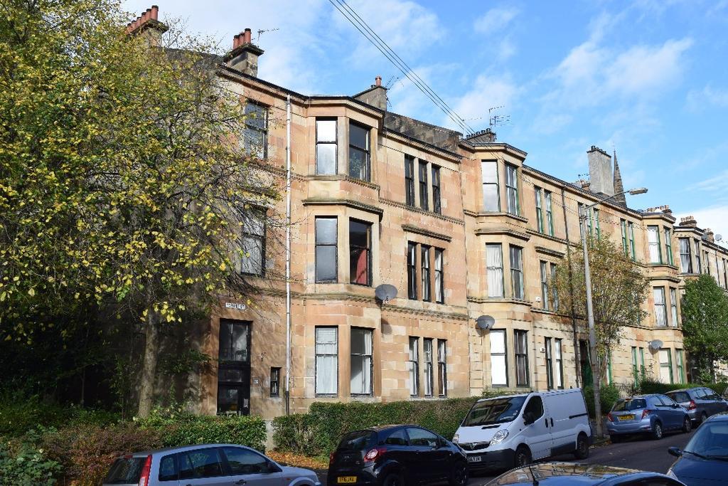 3 Bedrooms Flat for sale in Herriet Street, Flat 2/2, Pollokshields, Glasgow, G41 2JY