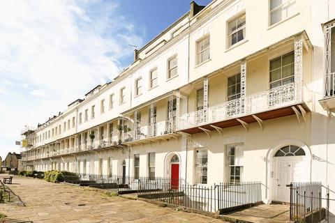 2 bedroom flat for sale - Royal York Crescent, Clifton Village, Bristol, BS8 4JY