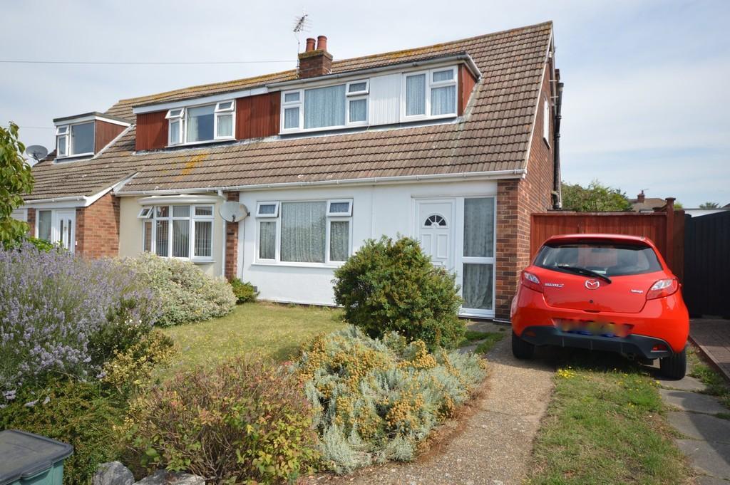 2 Bedrooms Semi Detached House for sale in Elizabeth Way, Brightlingsea