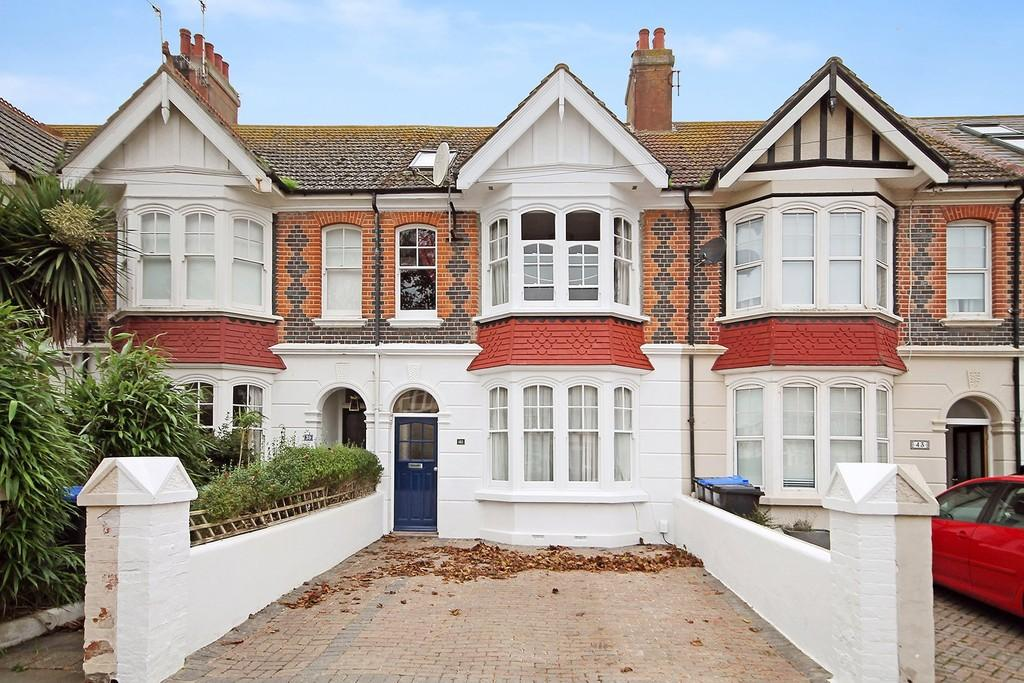 8 Bedrooms Terraced House for sale in Navarino Road, Worthing BN11 2NE