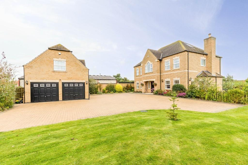 7 Bedrooms Detached House for sale in Gainsborough Road, Middle Rasen, Market Rasen