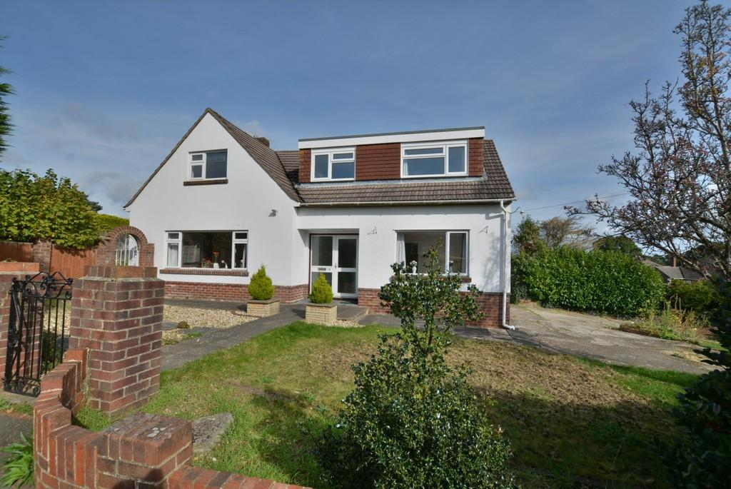 4 Bedrooms Detached House for sale in Hull Crescent, Bournemouth