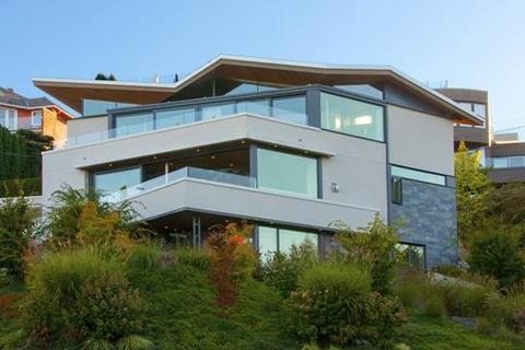 3 bedroom detached house  - 1505 Tolmie Street, Vancouver