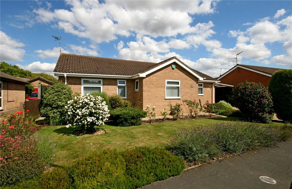 3 Bedrooms Detached Bungalow for sale in Hawthorn Road, Bourne, PE10