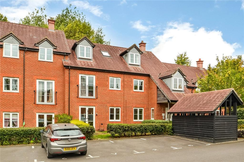 2 Bedrooms Flat for sale in Laura Close, Compton, Winchester, Hampshire, SO21
