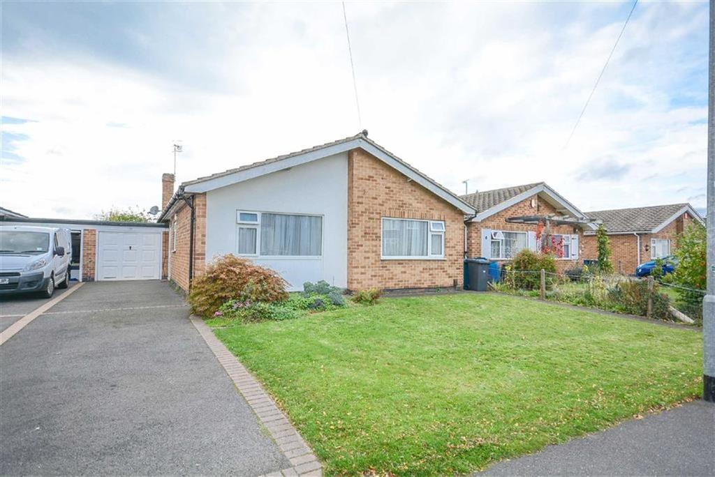 3 Bedrooms Detached Bungalow for sale in Haileybury Road, West Bridgford