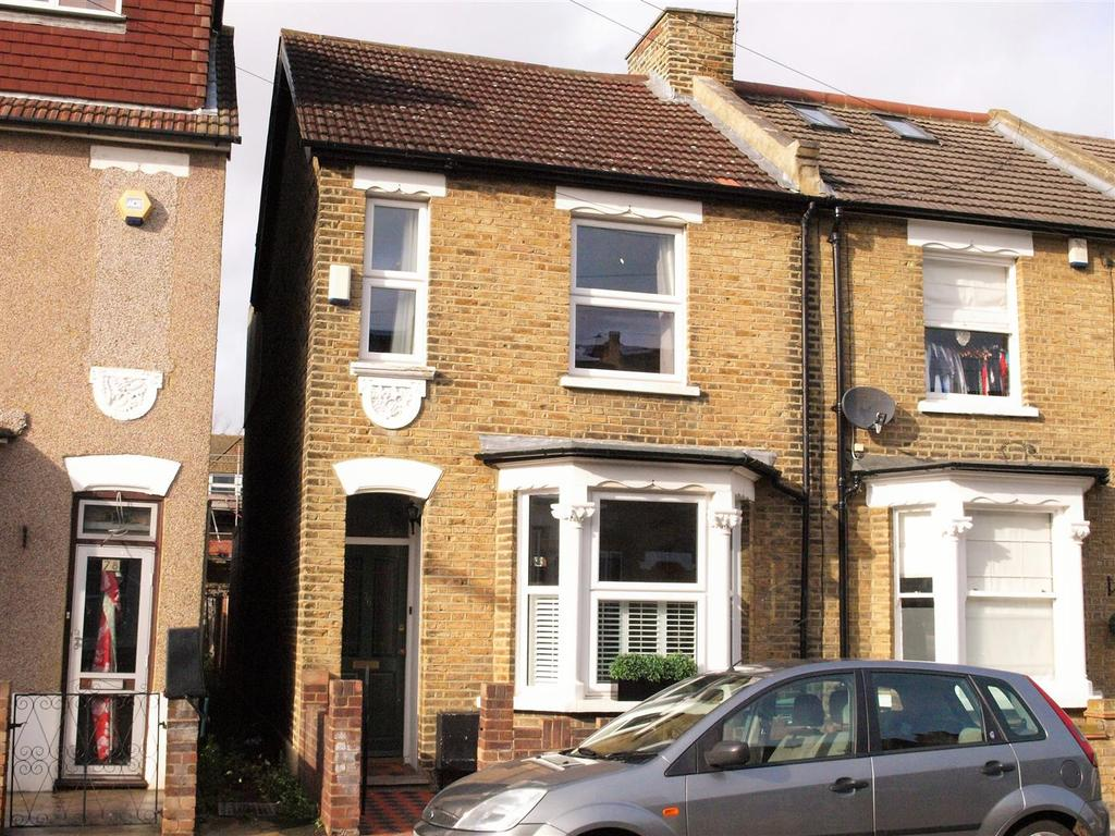 3 Bedrooms Terraced House for sale in Park End, Bromley