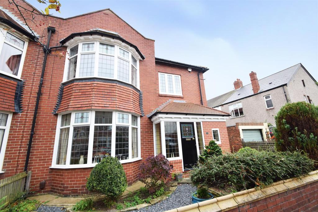 4 Bedrooms Semi Detached House for sale in Ashfield Grove, Whitley Bay