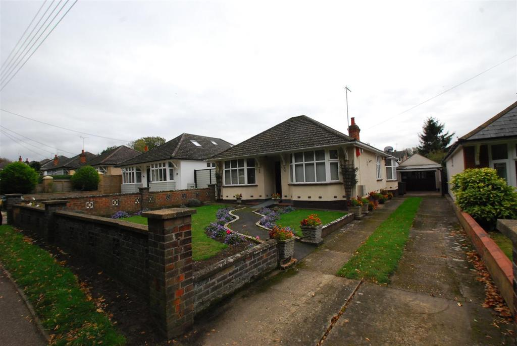 2 Bedrooms Bungalow for sale in Barton Hill, Fornham St. Martin, Bury St. Edmunds