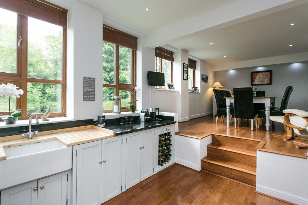 4 Bedrooms House for sale in Crambeck Village, Welburn, York