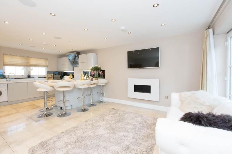 3 Bedrooms Detached House for sale in Church Place, Brighton