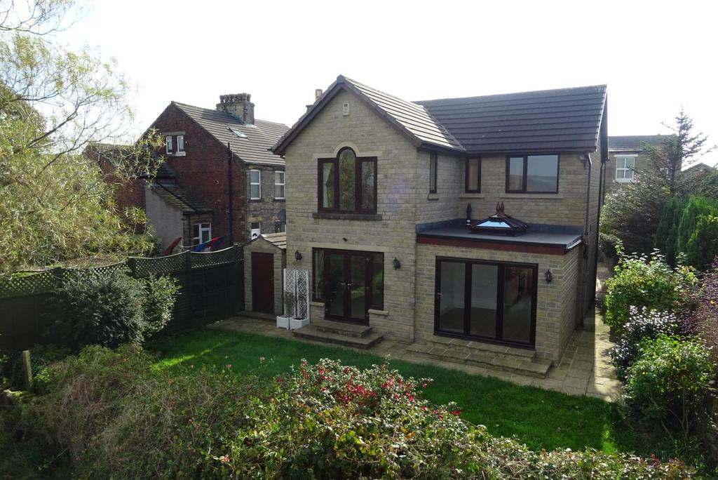 4 Bedrooms Detached House for sale in Elizabeth Street, Hightown, Liversedge
