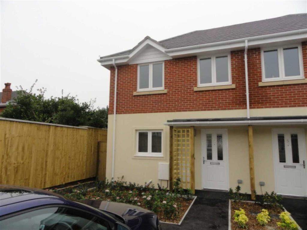 3 Bedrooms Semi Detached House for rent in 86-88 Avon Road, Charminster, Bournemouth, Dorset, BH8