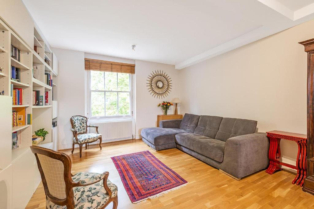 2 Bedrooms Flat for sale in Porchester Square, Bayswater