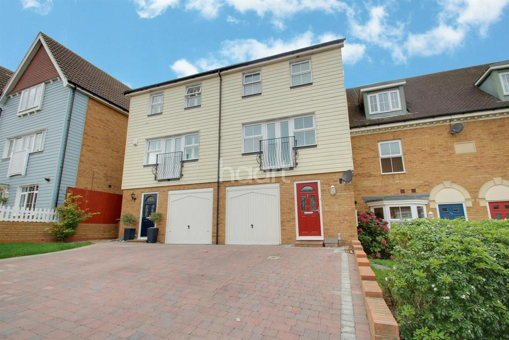 3 Bedrooms Terraced House for sale in Toad Hall Crescent, Chattenden ME3