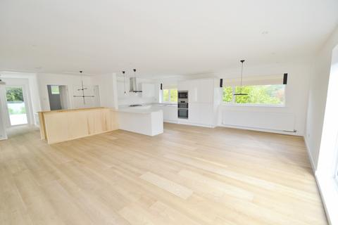 4 bedroom house to rent - Westbourne