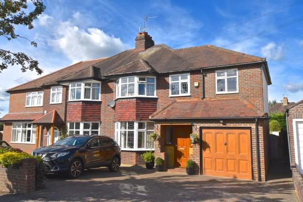 4 Bedrooms Semi Detached House for sale in Craddocks Avenue, Ashtead, KT21