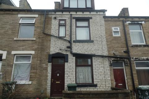 4 bedroom terraced house to rent - Lapage Terrace ,  Bradford, BD3