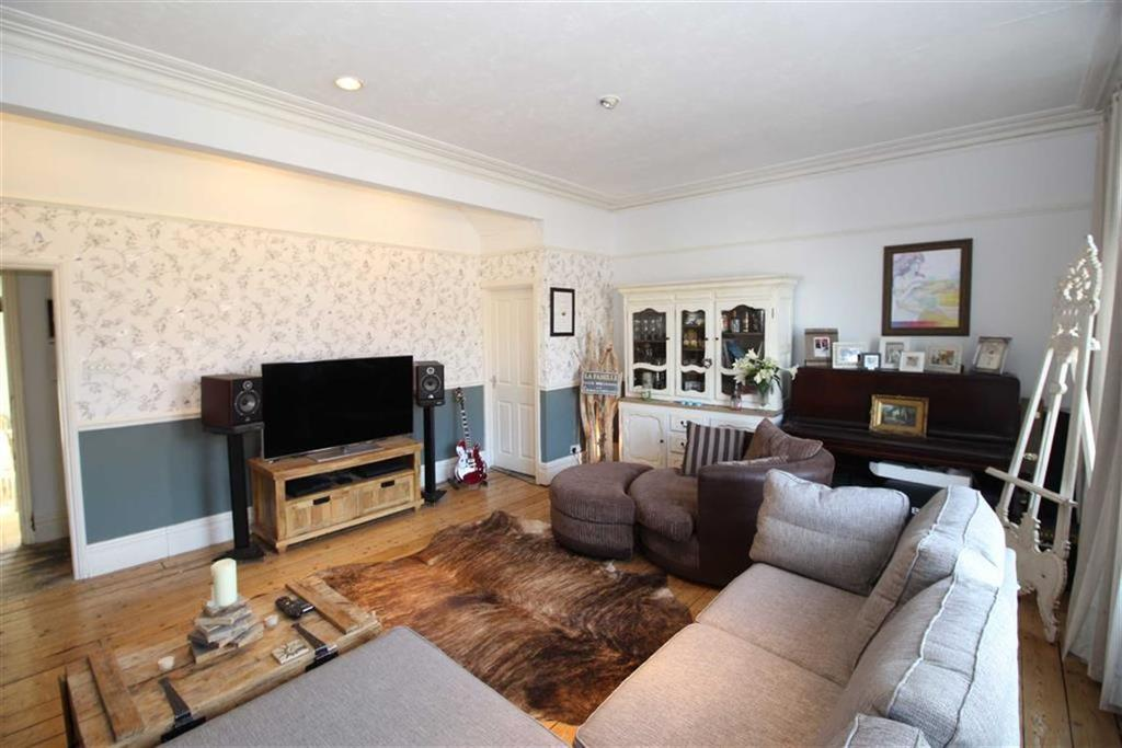 2 Bedrooms Apartment Flat for sale in Manchester Road, Altrincham