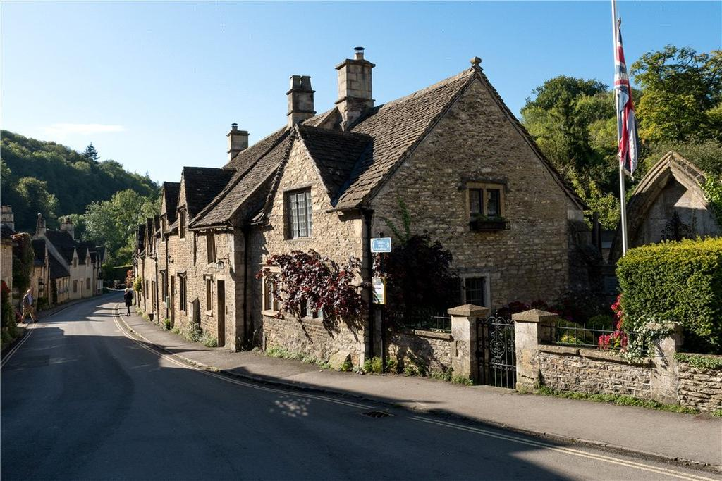 3 Bedrooms Semi Detached House for sale in Market Place, Castle Combe, Chippenham, Wiltshire, SN14