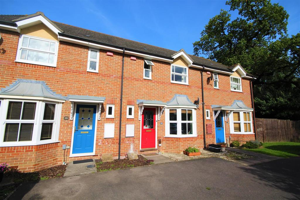 2 Bedrooms Terraced House for sale in East Park Farm Drive, Charvil, Reading