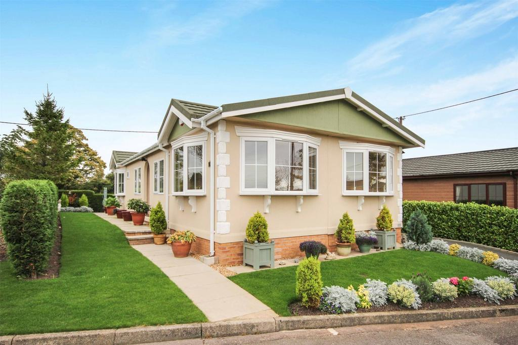 3 Bedrooms Detached Bungalow for sale in 3 Silver Street, Cheadle, Staffordshire