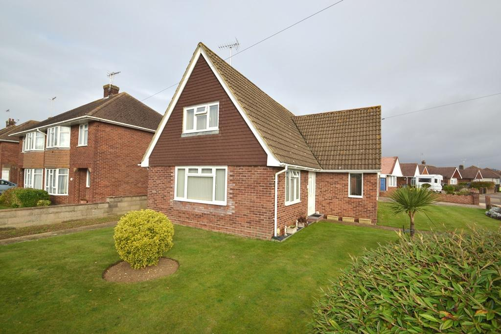 3 Bedrooms Detached House for sale in Frobisher Way, Goring By Sea, Worthing, BN12 6EU