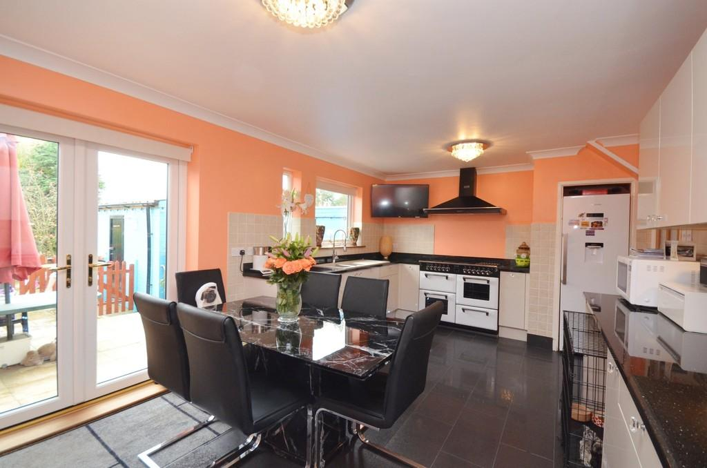 3 Bedrooms Terraced House for sale in Ebenezer Close, Witham, CM8 2HX