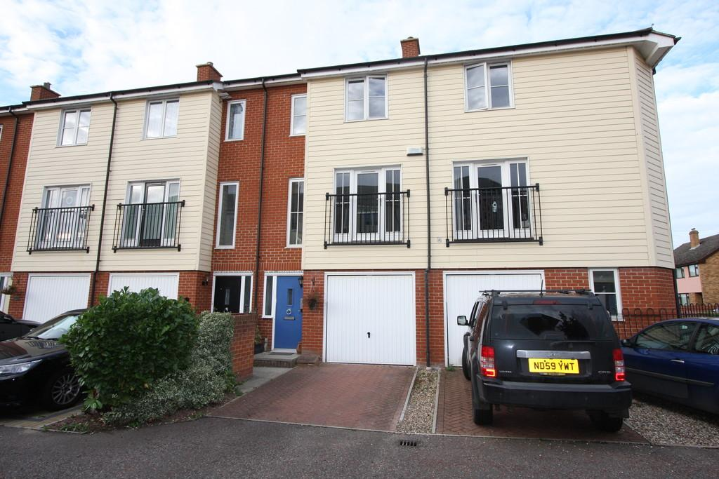 3 Bedrooms Town House for sale in Priory Gardens, Sudbury