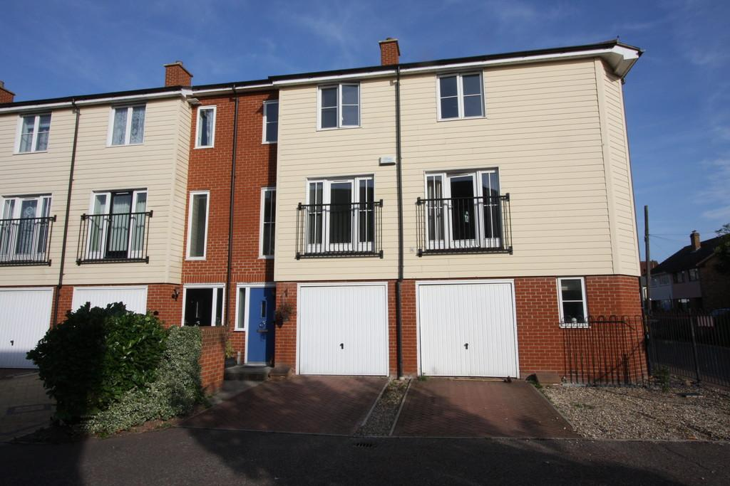 4 Bedrooms Town House for sale in Priory Gardens, Sudbury