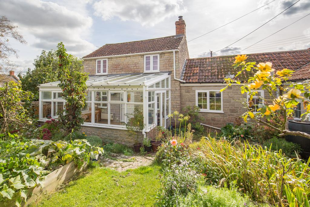 3 Bedrooms Detached House for sale in The Barton, Charlton Adam