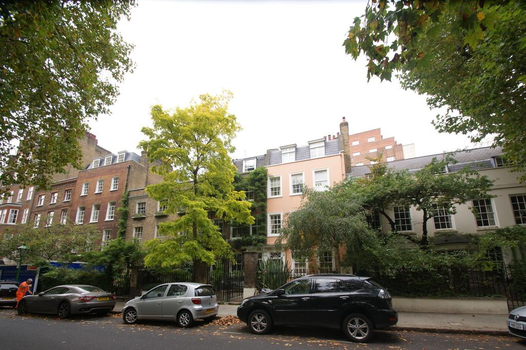 5 Bedrooms Terraced House for sale in 43 Kensington Sq