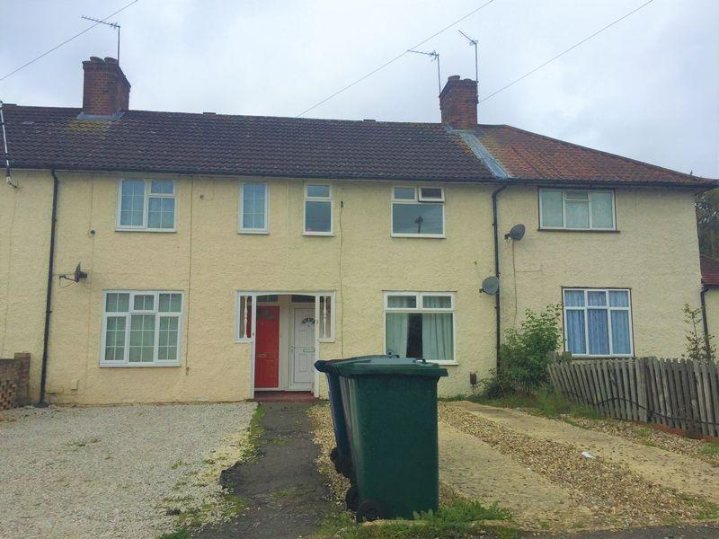 3 Bedrooms Terraced House for sale in Walter Walk, Edgware
