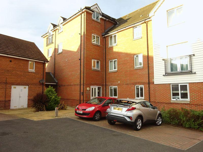 2 Bedrooms Apartment Flat for sale in Woodpecker Court, Costessey, Norwich