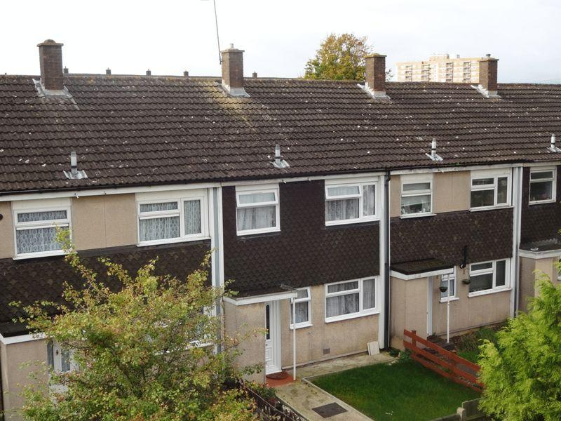 3 Bedrooms Terraced House for sale in Axe Close, Luton