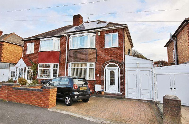 3 Bedrooms Semi Detached House for sale in Knowles Street, Wednesbury