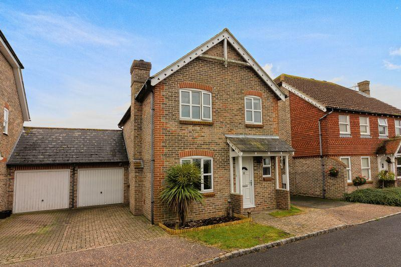 3 Bedrooms Detached House for sale in Florlandia Close, Lancing