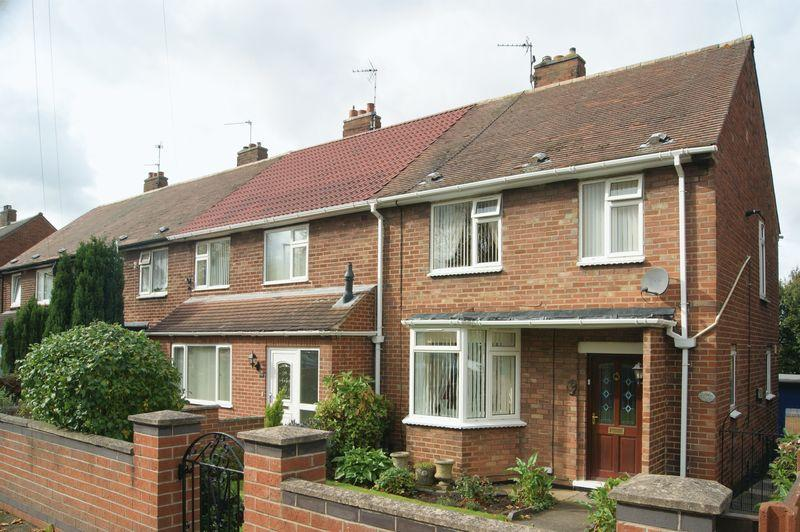 3 Bedrooms Terraced House for sale in Wolsey Road, Newark