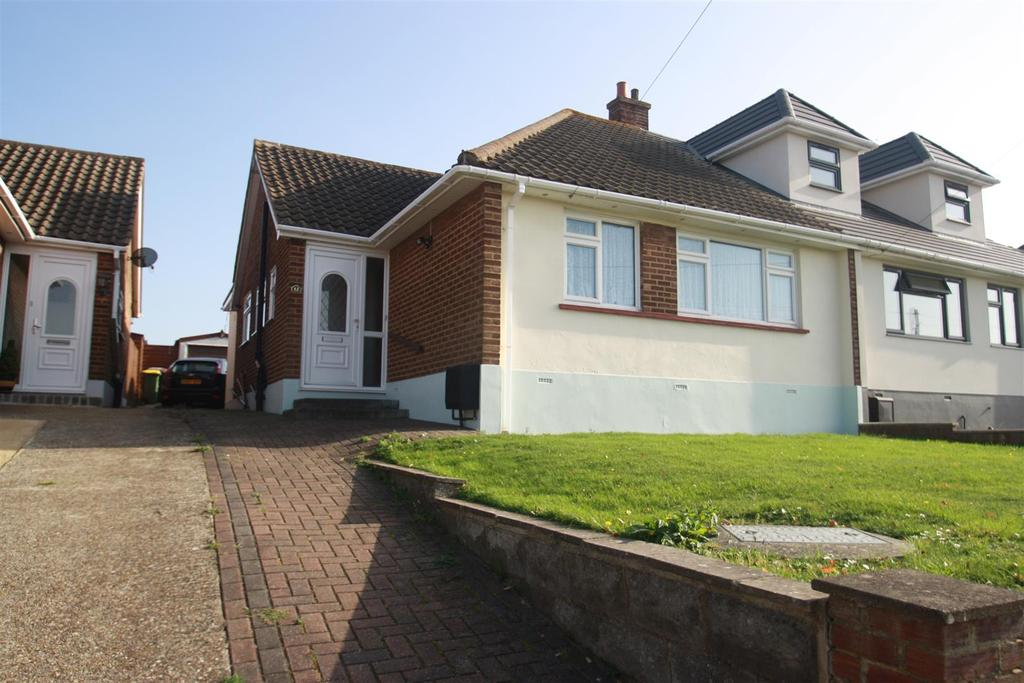 2 Bedrooms Semi Detached Bungalow for sale in Broadlands Avenue, Rayleigh