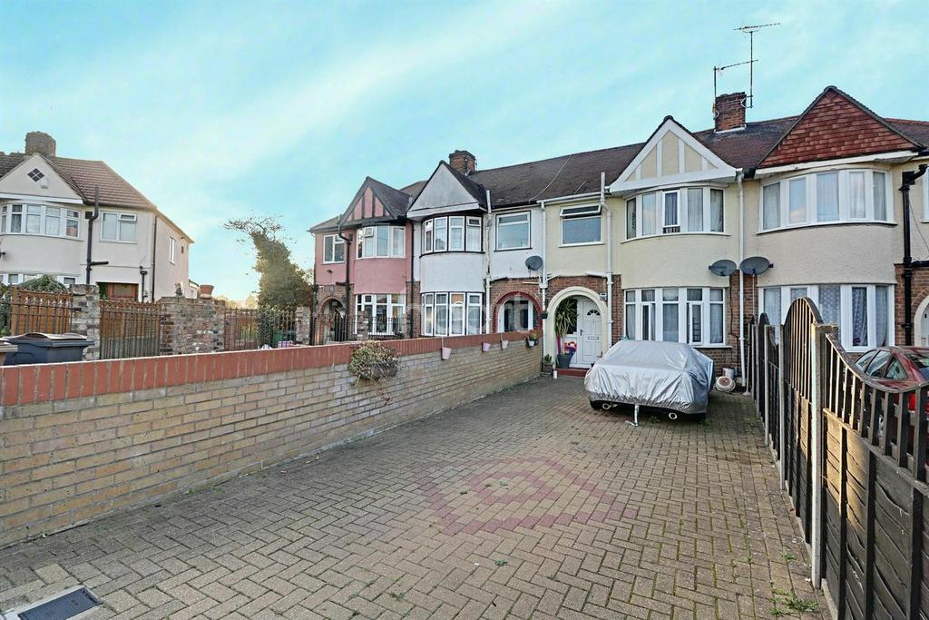 3 Bedrooms Terraced House for sale in Willow Way, LU3
