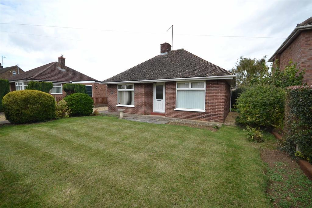 2 Bedrooms Detached Bungalow for sale in New Road, Ryhall, Stamford