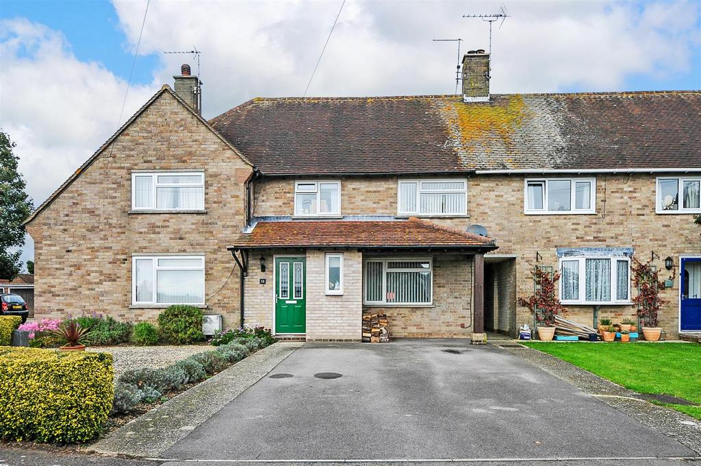 3 Bedrooms Terraced House for sale in Hearn Close, Tangmere
