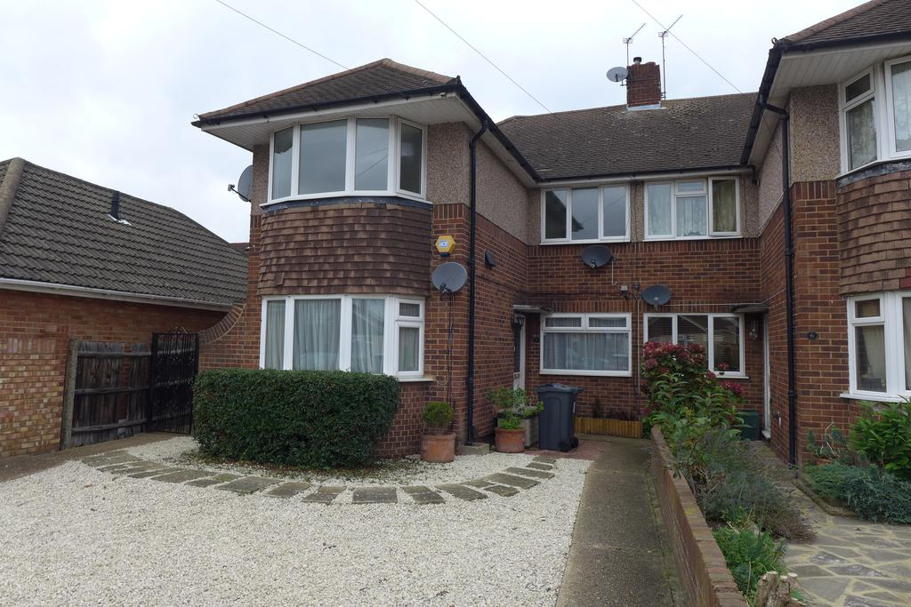 2 Bedrooms Flat for sale in Swan Road, Feltham