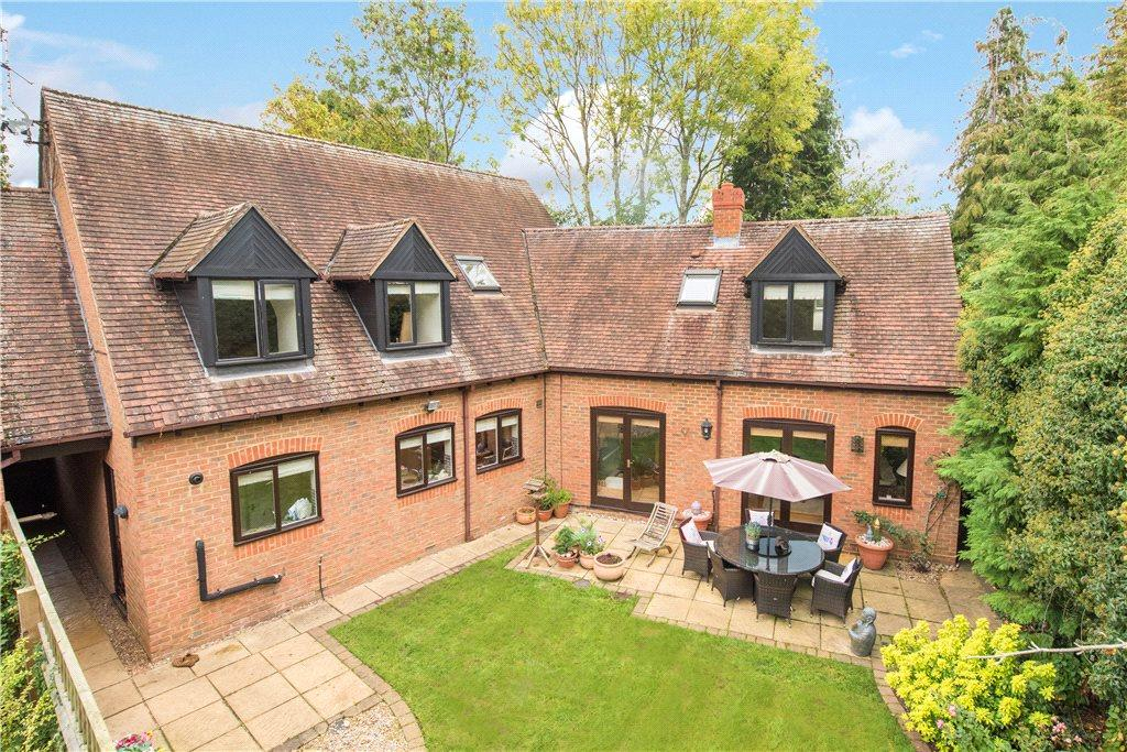 4 Bedrooms Detached House for sale in Kemps Piece, Haddenham, Aylesbury, Buckinghamshire